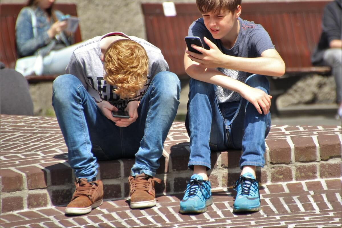 Children and adolescents and the telephone